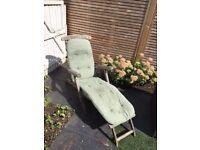 Wooden Garden Steamer Chair with Cushion