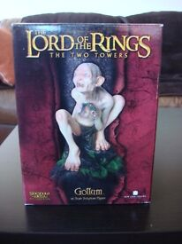 Weta Sideshow VERY RARE Lord of The Rings Gollum Statue 3896/7500 in brilliant condition