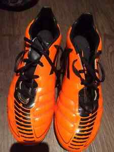 Adidas F50 Soccer Men's Cleats - size 8