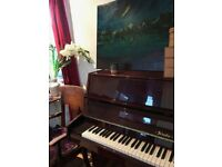 Beautiful Piano in perfect condition - FREE