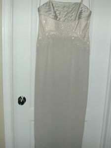 BEAUTIFUL FORMAL DRESS WITH HAND-BEADED FRONT