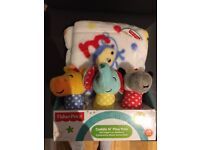 Fisher-Price cuddle n' play pals, soft blanket & 3 interactive rattle. Brand new