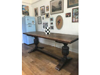 Stunning solid Victorian English oak dining table.