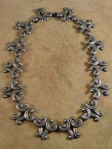 Beautiful Vintage Mexican Mexico Sterling Silver Ballestros Necklace