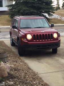 2011 Jeep Patriot Latitude SUV, Crossover