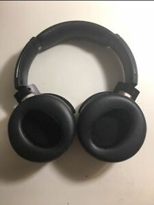High Quality Wireless Sony Headphones. Model MDR-XB950B1