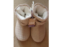 BNWT TOTES SLIPPER BOOTS