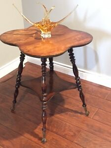 Antique Table with guilded / glass feet