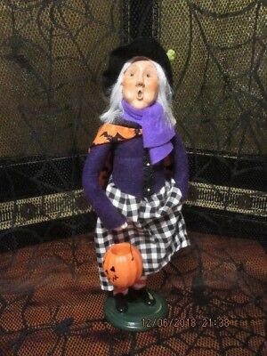 BYERS CHOICE 2018 HALLOWEEN WITCH WITH JACK-O-LANTERN NEW