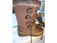 LADIES KHOMBU BOOTS NEW WITHOUT TAGS SIZE 4 OR 5 PERFECT CONDITION