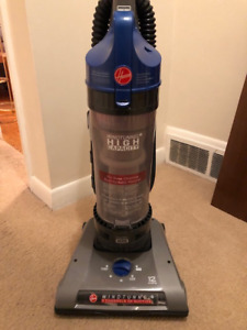 Hoover Wind Tunnel 2 High Capacity Bagless Upright Vacuum