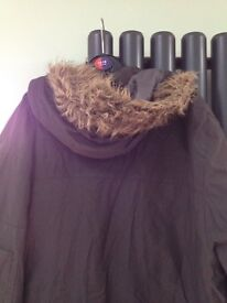 Mens Parka style coat Very good condition Warm and comfortable