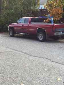 2001 Dodge Power Ram 2500 SLT Laramie Pickup Truck
