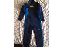 New kids wetsuit for 10-11 year old