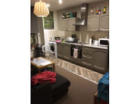 Double room Victoria Park £268pcm 3 bed flat share