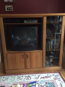 Beautiful Retro TV cabinet $85