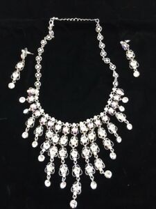 Glamorous Bling Necklace and Earring Set