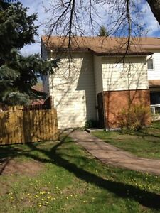 Room for rent in 4 bedroom town house located across from the LU