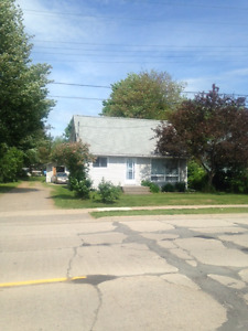 OPEN HOUSE: 406 CHAMBERS AVE., SUN JUNE 25, 2:30-3:30