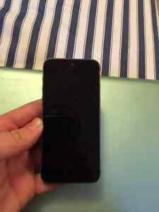 Iphone 5s 16 gb Black and Silver- no scratches