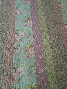 Twin Girl's bed spread Kitchener / Waterloo Kitchener Area image 2
