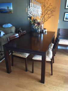 Used Ethan Allen Dining Room Table & 8 Chairs
