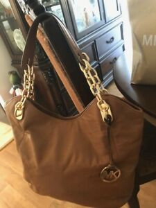 AUTHENTIC MICHAEL KORS  PURSE  BRAND NEW NEVER USED