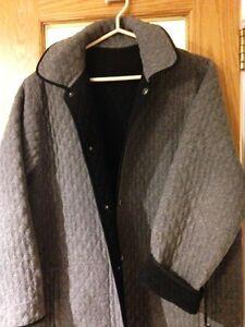 LONDON FOG- Women's Reversible Quilted jacket(L) Edmonton Edmonton Area image 2