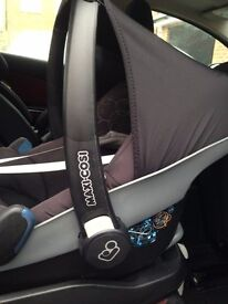 Maxi Cosi Pebble car seat in very good condition. Reasonable offers considered