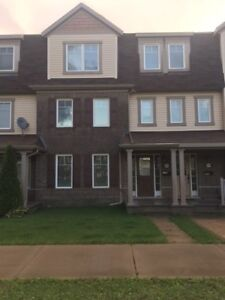 3 Bed, 3 Bath Townhouse w/ Great Balcony - Available NOW!