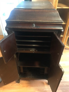 Victrola Record Player & Records