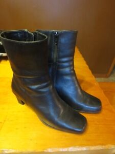 6M Black Leather Ankle Boots
