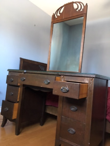 Solid Wood Vintage Vanity Can Work as a Desk!