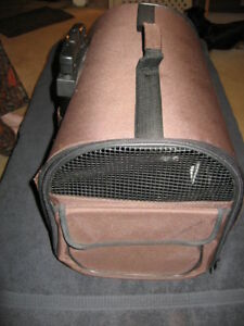 Wheeled Pet carrier with Telescopic Handle