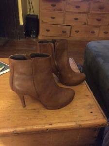Size 8.5-9  Steve Madden leather boots $60 firm