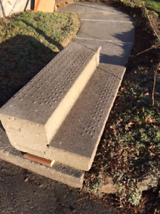 Concrete Steps  FREE      Must Pick Up