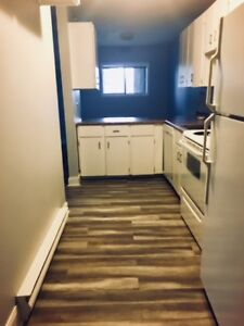 2 Bedroom Apartment Available December 1st !!