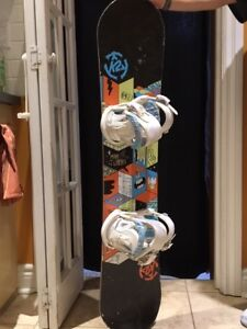 Youth snowboard and bindings (120cm)