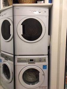 BLOMBERG  WASHER AND DRYER