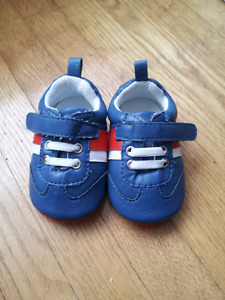 BRAND NEW Joe Fresh Shoes Size 3