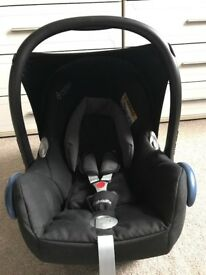 Maxi Cosi CabrioFix Group 0+ Baby Car Seat in excellent condition