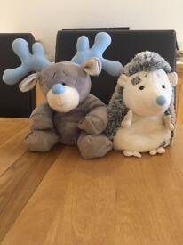 Blue Nose Large Hedgehog & Reindeer