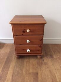Small Wooden Chest of Drawers (good condition)