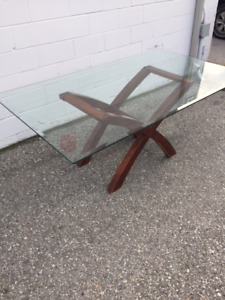 MODERN GLASS TABLE ONLY $199!!! GREAT DEAL