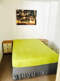 *** STUDIO, freshly painted , fully furnished with modern shower - TRIANGLE ***