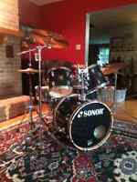 Sonor 5 piece drum kit w/cymbals and stands