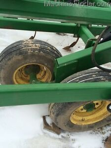 2004 John Deere 980 Cultivator Kitchener / Waterloo Kitchener Area image 4