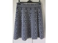 Boden Annabel navy and ivory knit skirt from 2015 size 8 R