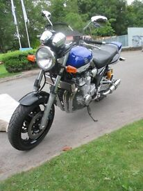 YAMAHA XJR1300 ONLY 10, 600 MILES FROM NEW. FULL YEARS MOT. OHLINS.HAWK EXHAUSTS MINT CONDITION
