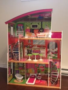 Maison de Barbie en bois Kidkraft